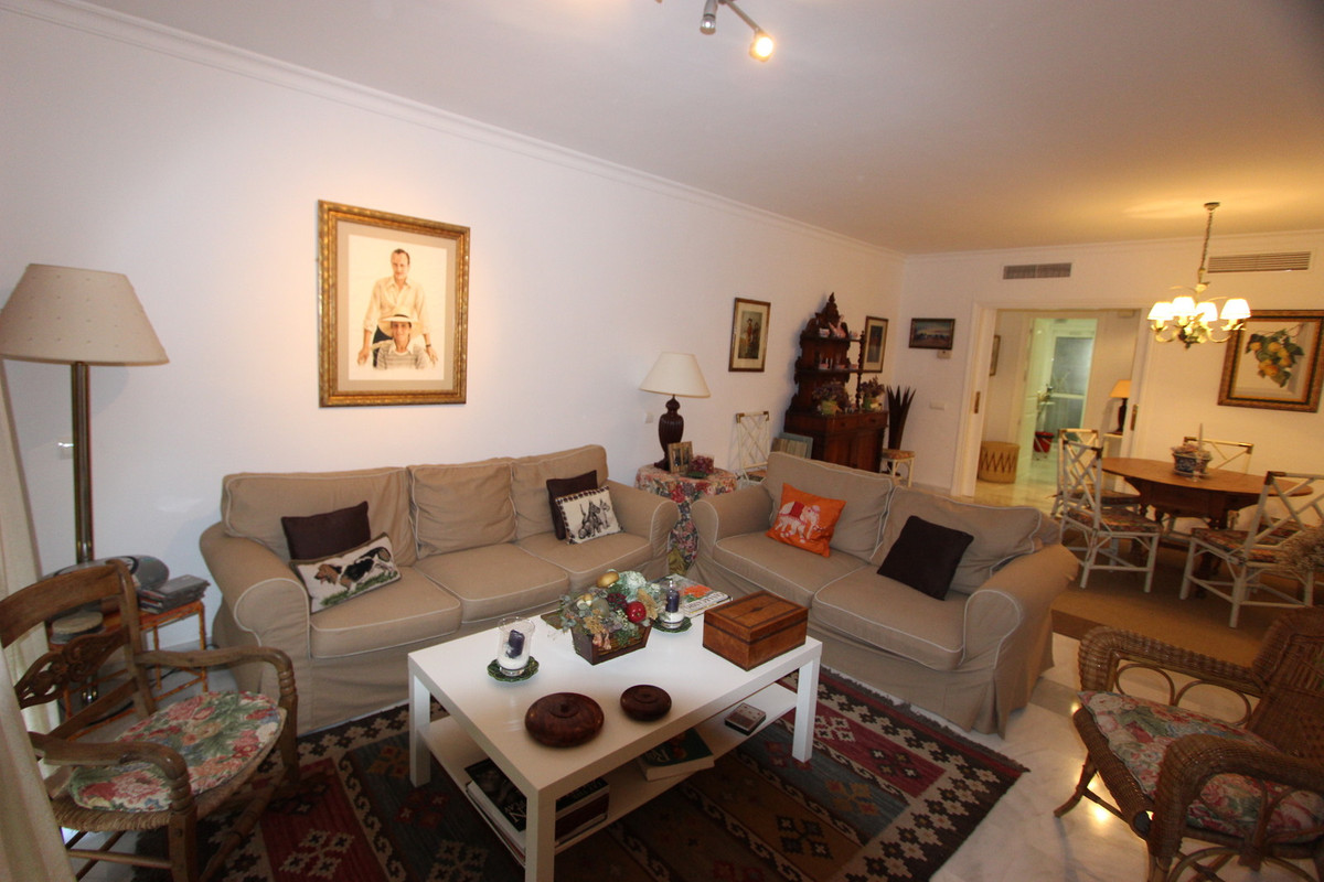 Ground Floor Apartment in Guadalmina Baja R3063079