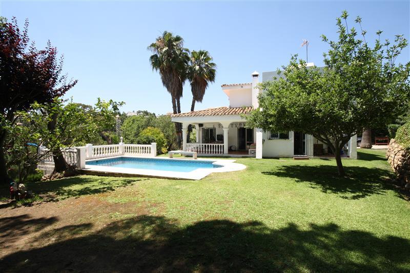 House in Elviria R220090 2