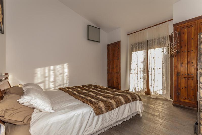 House in Mijas R2333480 17