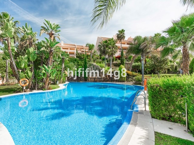 Mitte Stock Wohnung in Nueva Andalucía R3123298