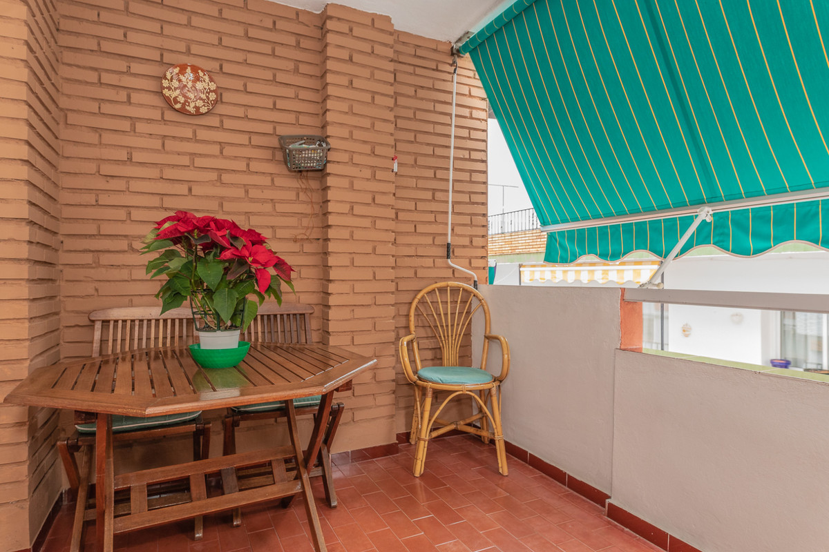 Middle Floor Apartment in Benalmadena R3329206