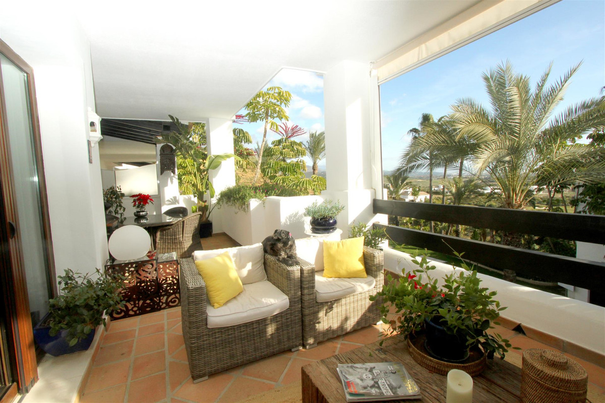 Middle Floor Apartment for sale in Casares R3532207