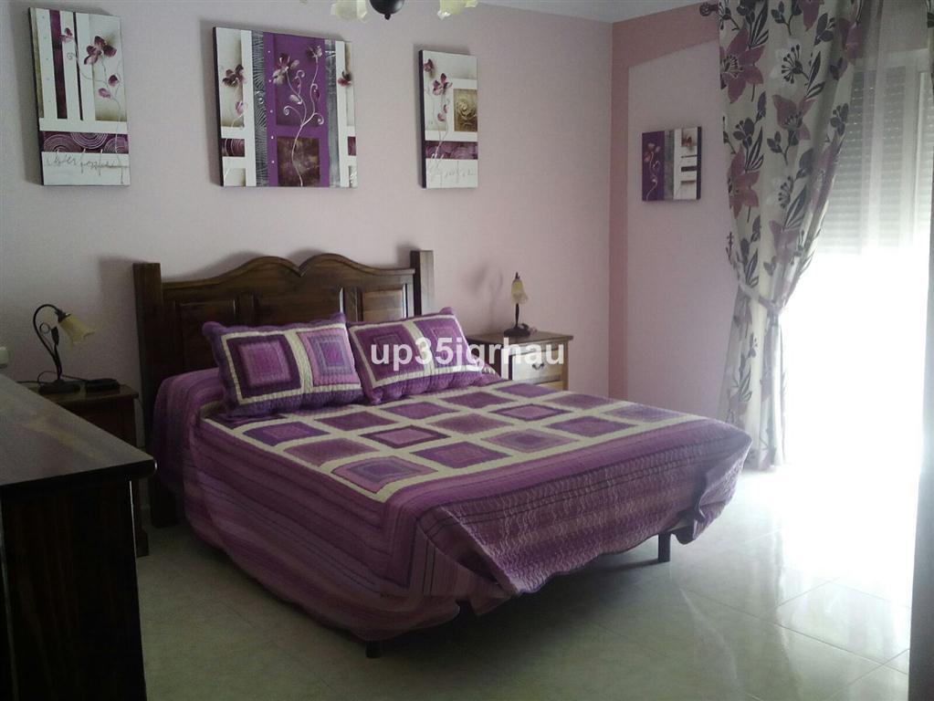 House in Estepona R2726162 15