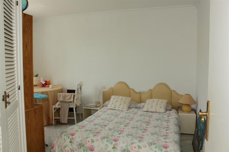 Villa con 5 Dormitorios en Venta Río Real