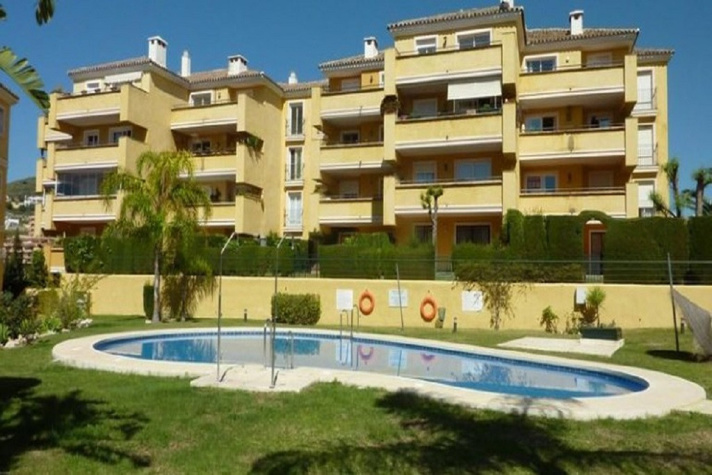 Riviera Del Sol, Flamingo Golf Park, Mijas Costa, Spacious penthouse with 3 double bedrooms and 2 fu, Spain