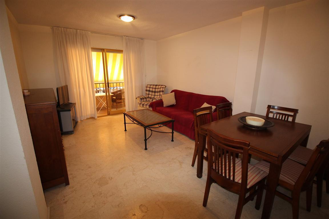 Middle Floor Apartment in Estepona R2961239