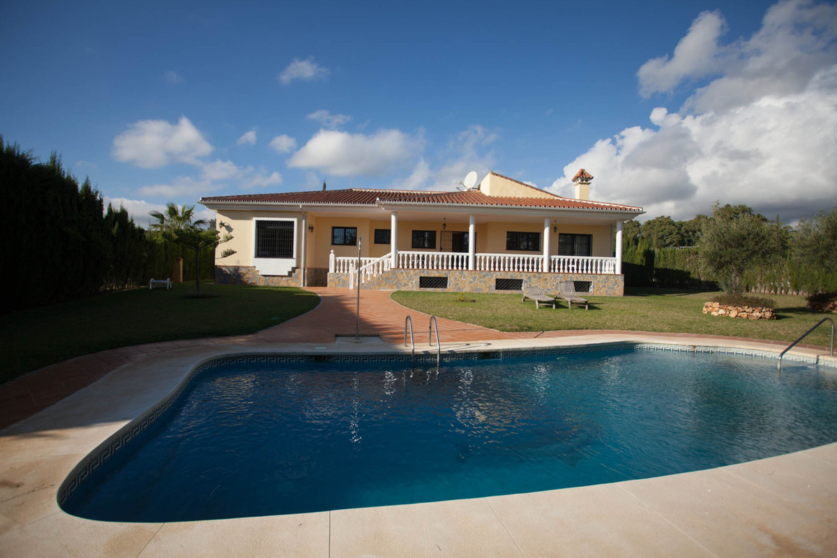 Detached Villa in Mijas Golf R2714762