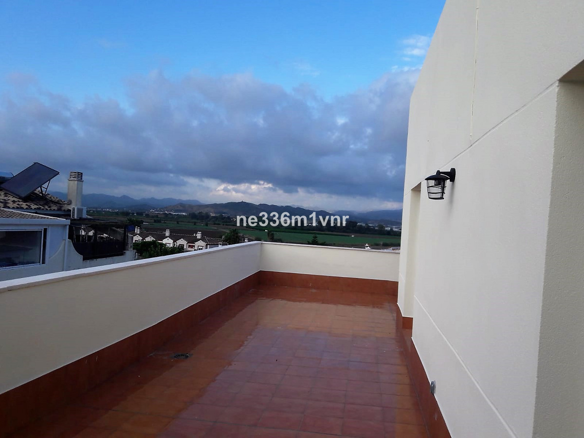 Apartment in Alhaurín de la Torre R3277330 1