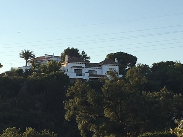 Detached Villa in Elviria R3212125