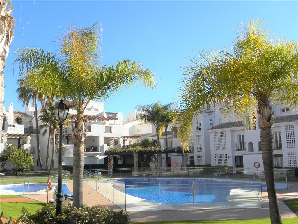 Ground Floor Apartment in San Pedro de Alcántara R3335035