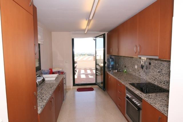 Apartment in Benahavís R3035156 4