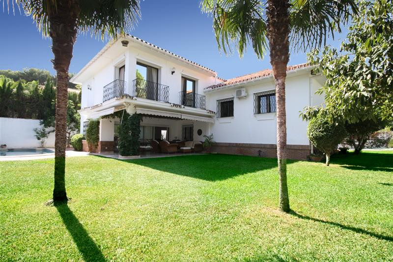 House in Los Monteros R2043104 1