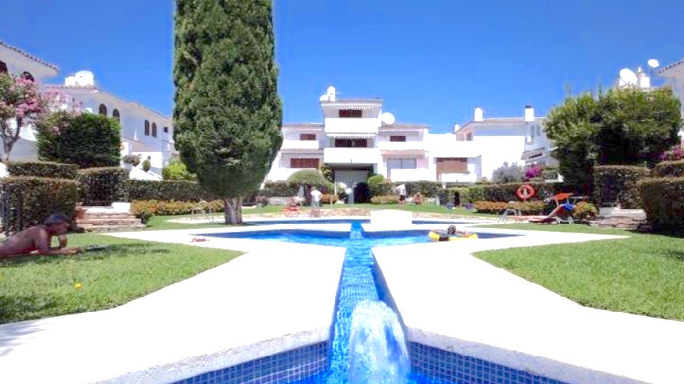 Townhouse in Cancelada R2852996