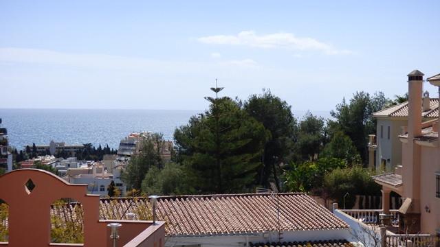 Detached Villa in Marbella R2188226