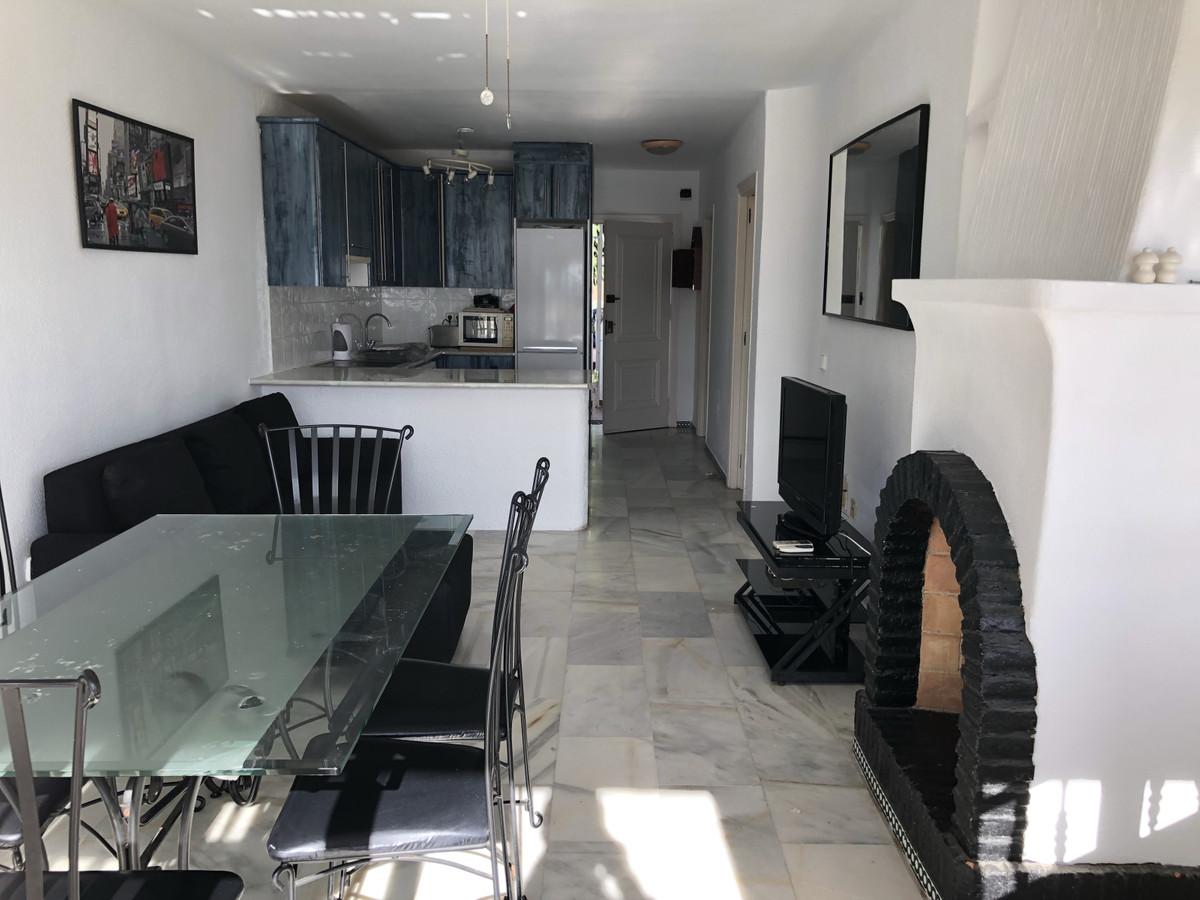 Apartment in Calahonda R3303415 3
