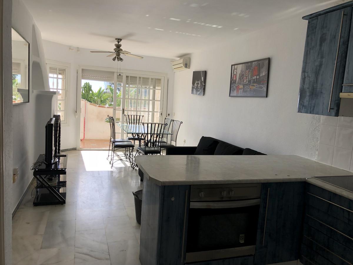 Apartment in Calahonda R3303415 4