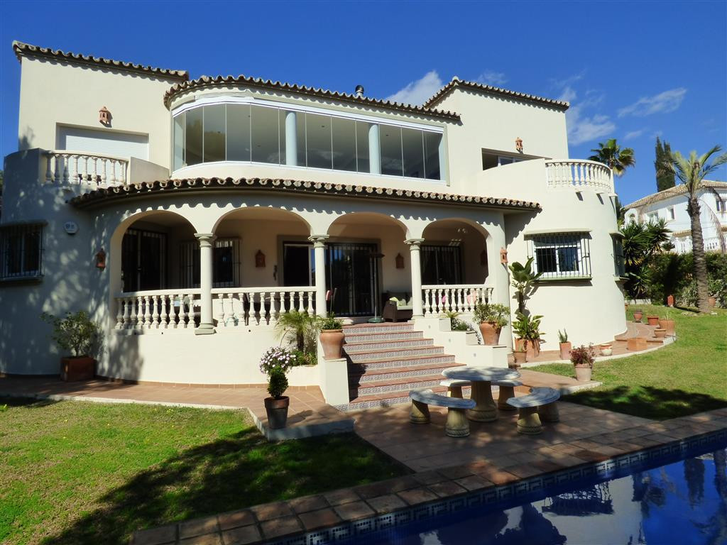 Detached Villa in Marbesa R2864756
