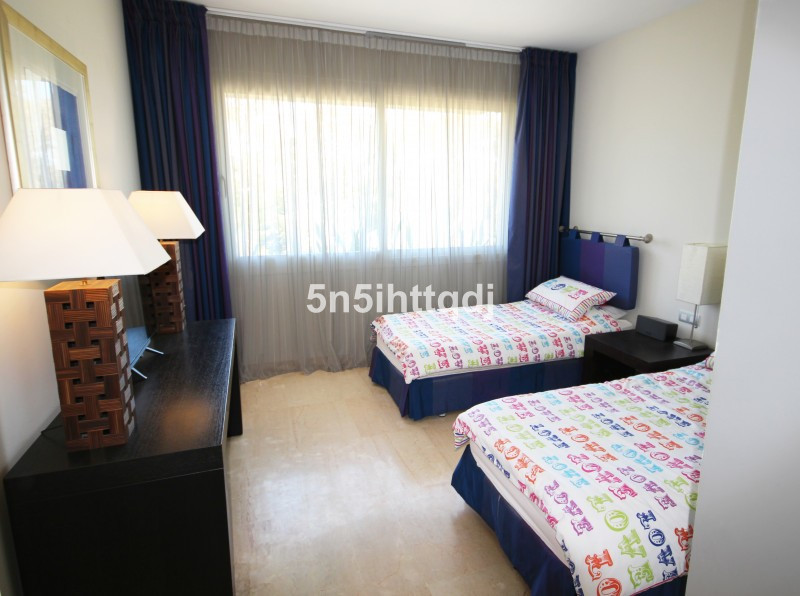 Apartment in The Golden Mile R3233914 12
