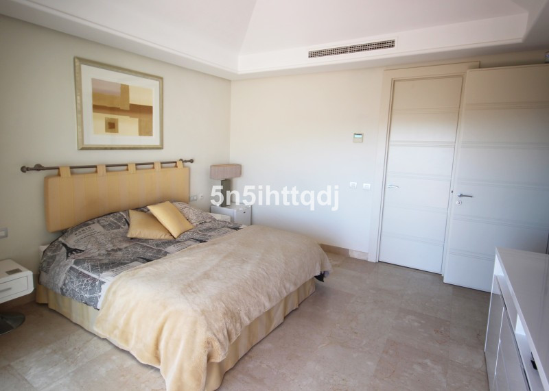 Apartment in The Golden Mile R3233914 13
