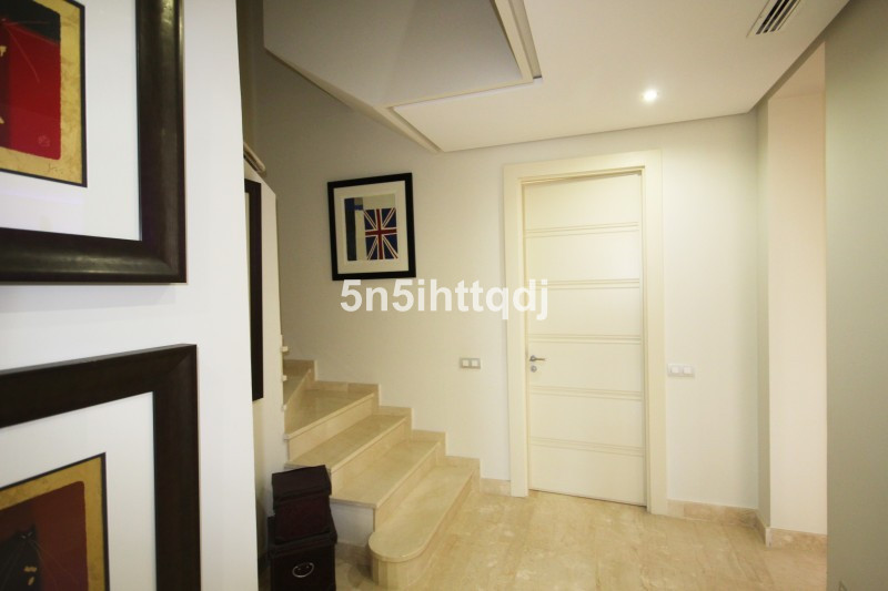 Apartment in The Golden Mile R3233914 14