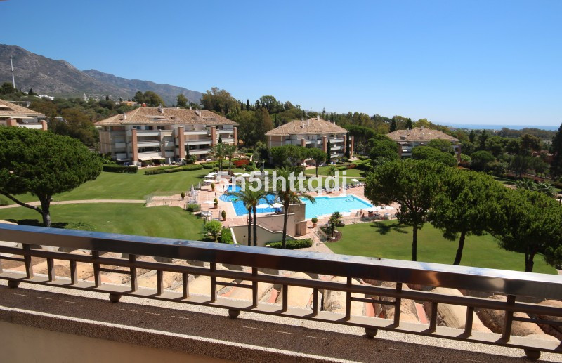 Apartment in The Golden Mile R3233914 18