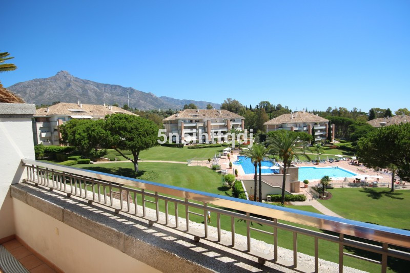 Apartment in The Golden Mile R3233914 3