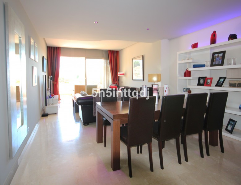 Apartment in The Golden Mile R3233914 6