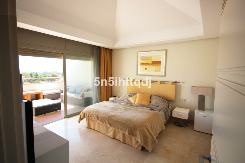 Apartment in The Golden Mile R3233914 8