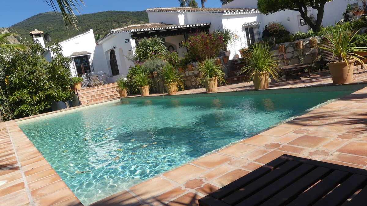 Splendid Andalusian Finca of 260 m2 of full-foot on 12.000 m2 of plantations with three buildings, i,Spain