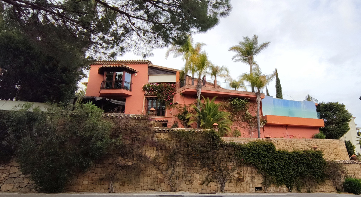 Splendid Andalusian house with gorgeous view on the sea, mountains and the La Quinta Golf Valley wit,Spain