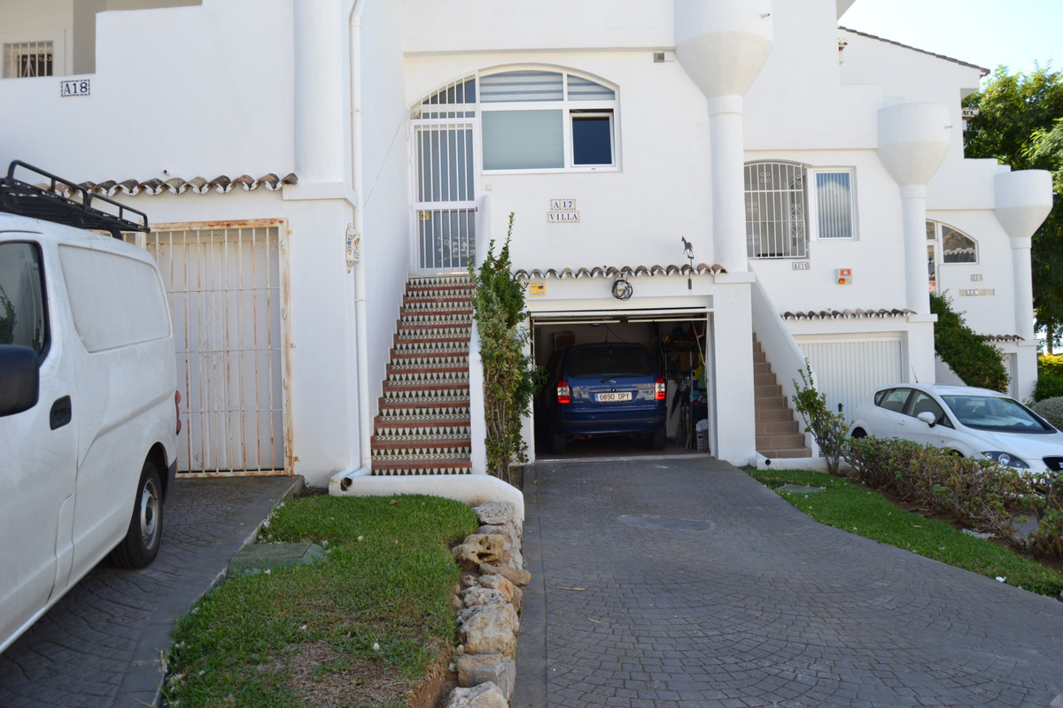 House in Calahonda R3265675 52