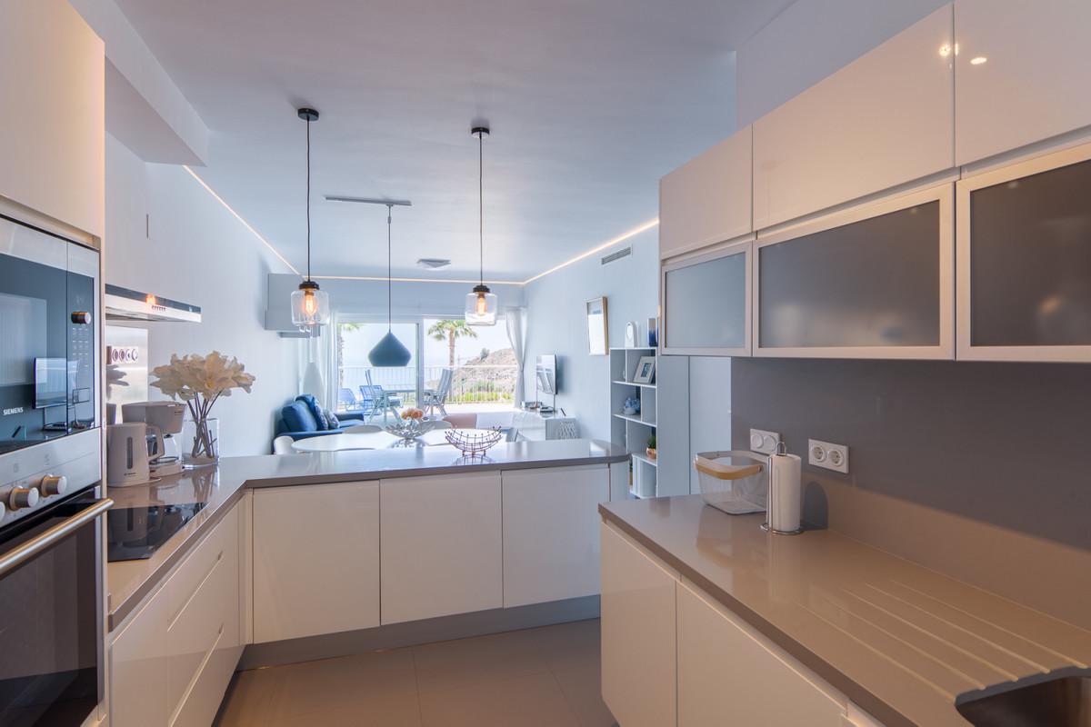 Apartment in Benalmadena Costa R3329734 10