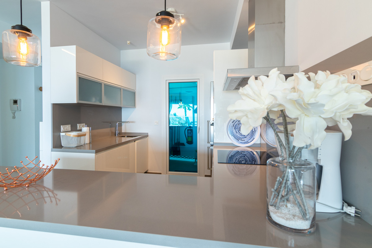 Apartment in Benalmadena Costa R3329734 11