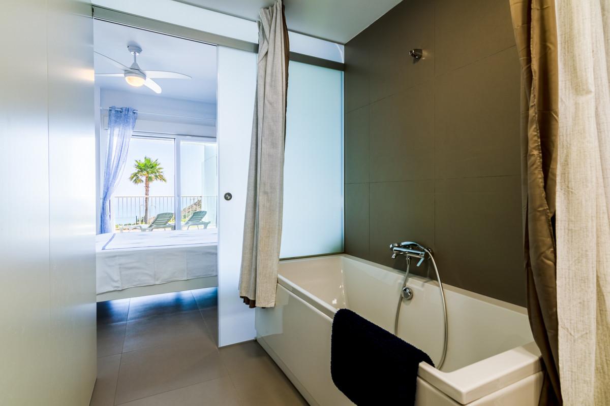 Apartment in Benalmadena Costa R3329734 3