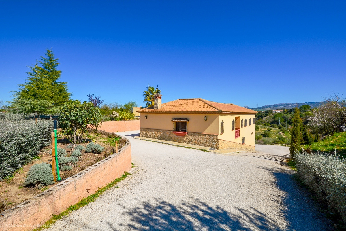 House in Ronda R2876174 8