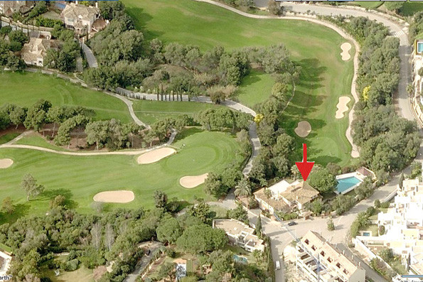 Exceptional and large 8-bedroom frontline golf villa on 3 levels in Golf Rio Real, Los Monteros, Mar,Spain