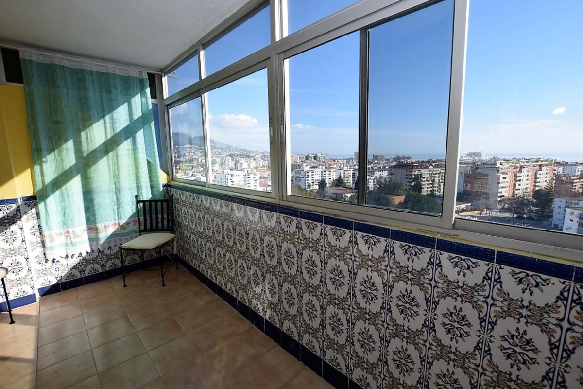 Top Floor Apartment in Fuengirola R3337021
