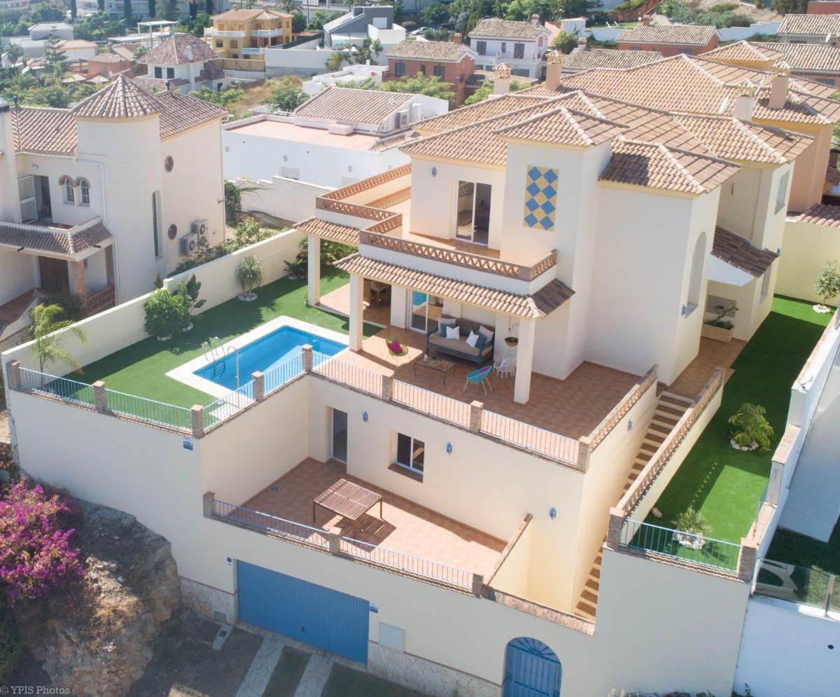 House in Torrequebrada R3265798 3