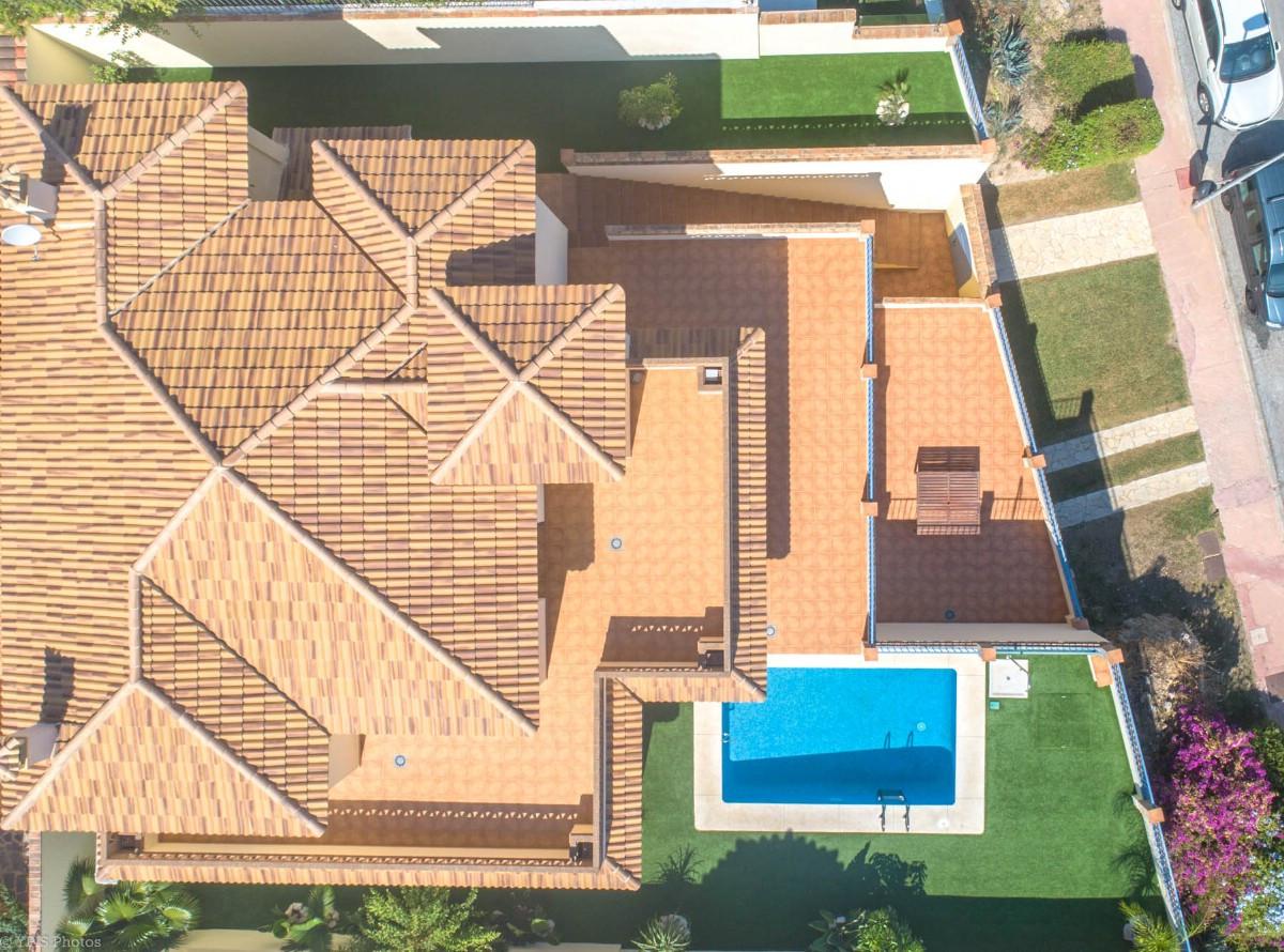 House in Torrequebrada R3265798 6