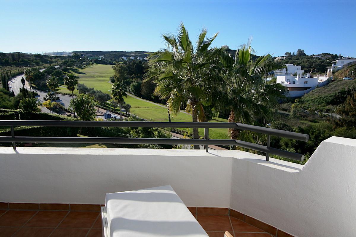 Middle Floor Apartment in Mijas Costa R3334795