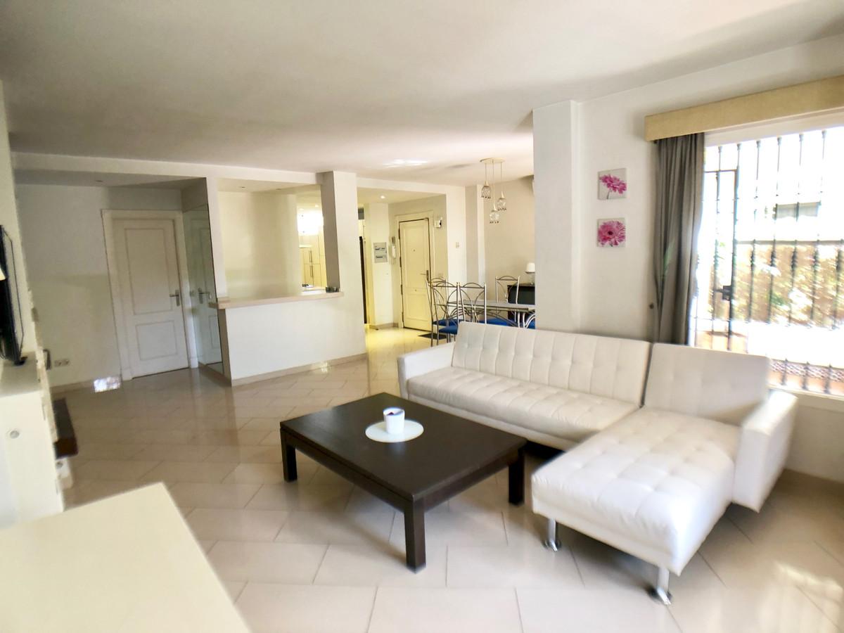 Ground Floor Apartment in Nueva Andalucía R2375090