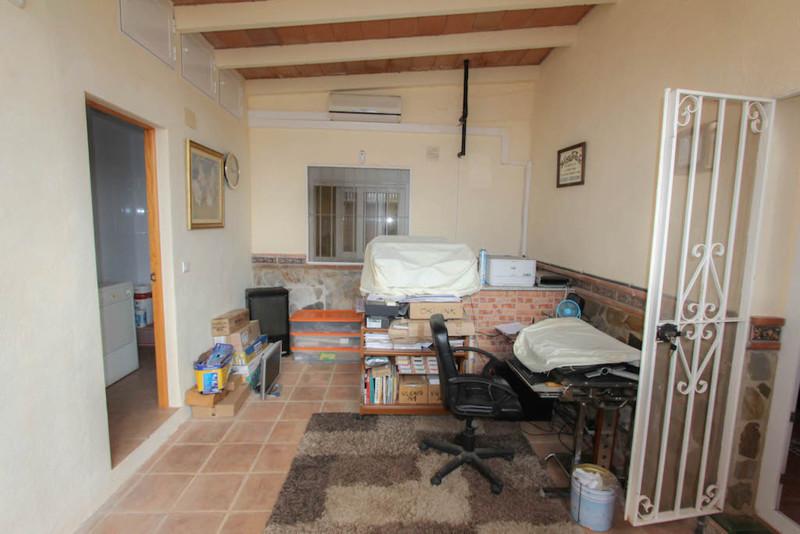 House in Alhaurín de la Torre R2491439 24