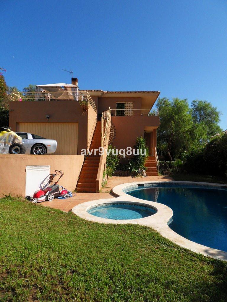 Detached Villa in Torrenueva R2755598