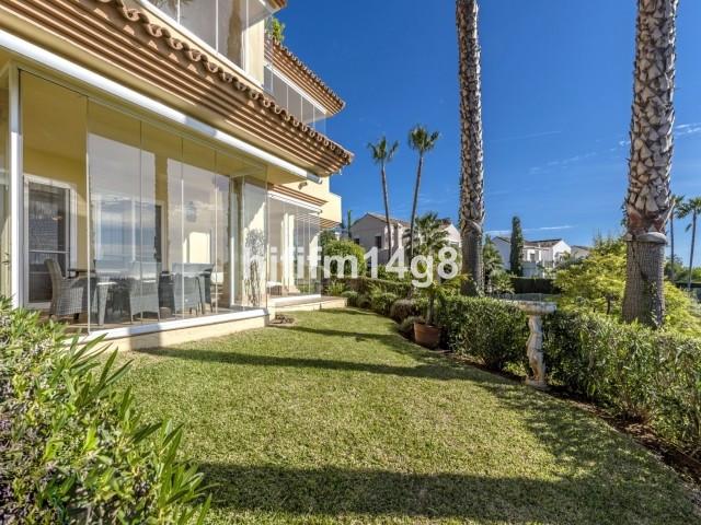 Ground Floor Apartment in Nueva Andalucía R3121861