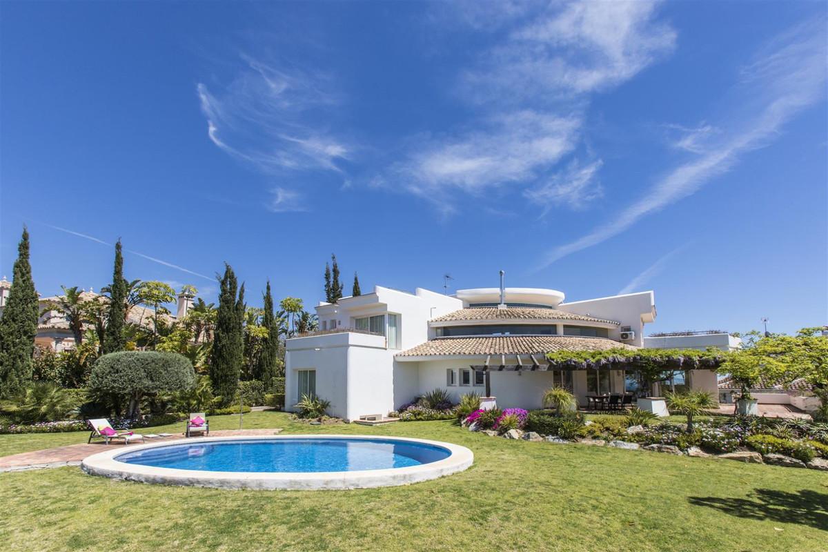 Detached Villa in Los Flamingos R3138259