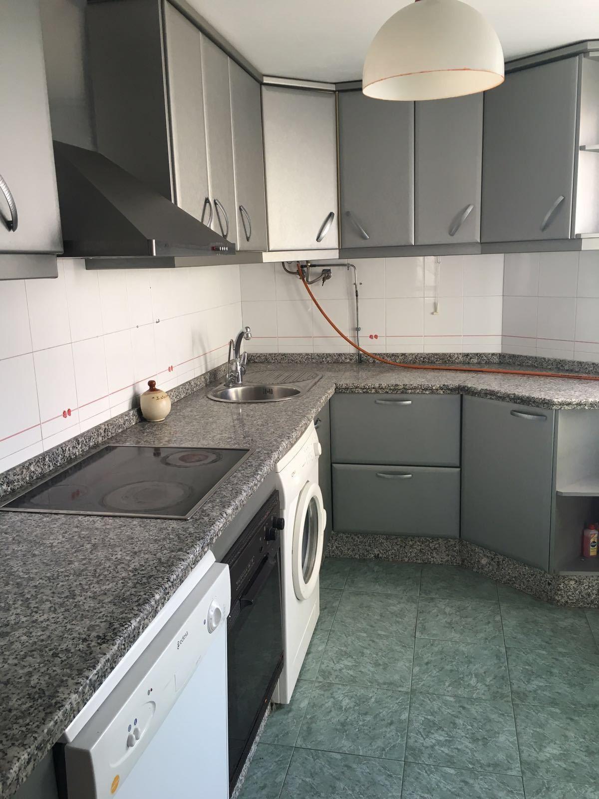 Middle Floor Apartment in Estepona R3114955