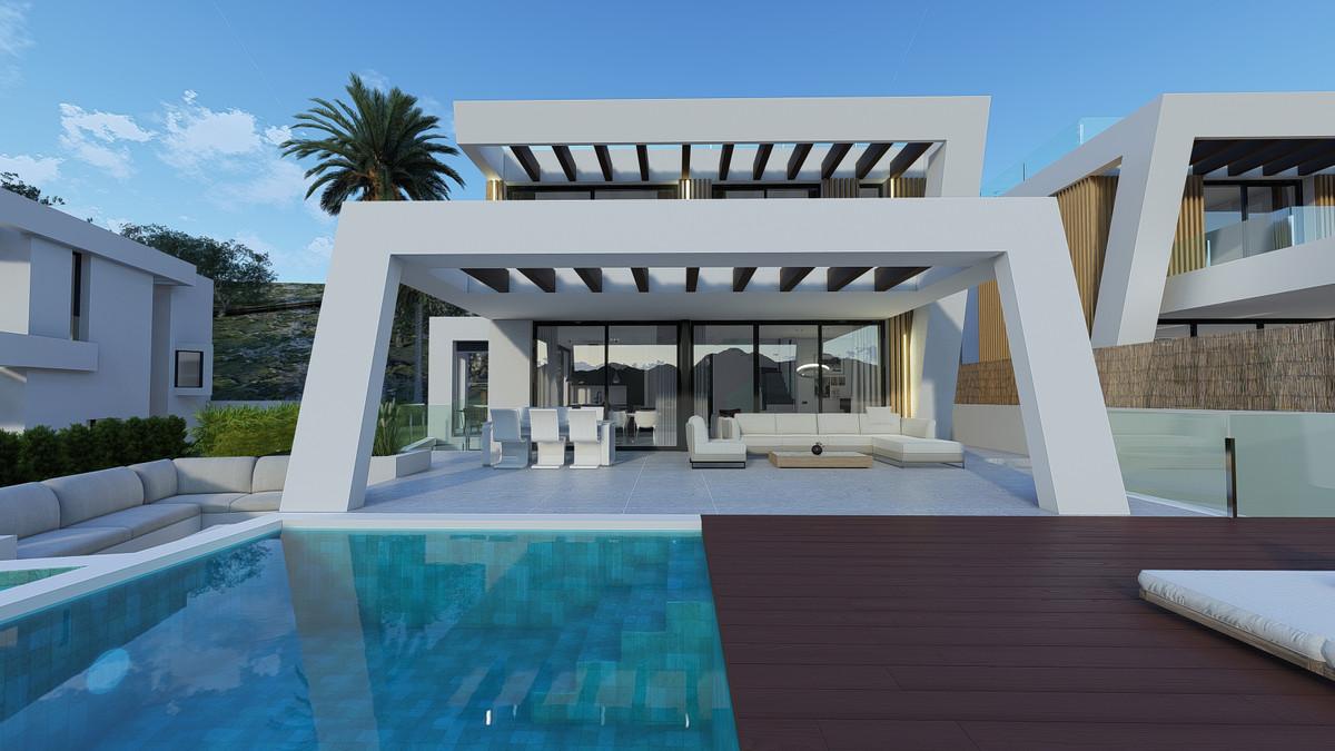 Detached Villa in Mijas Costa R3332452