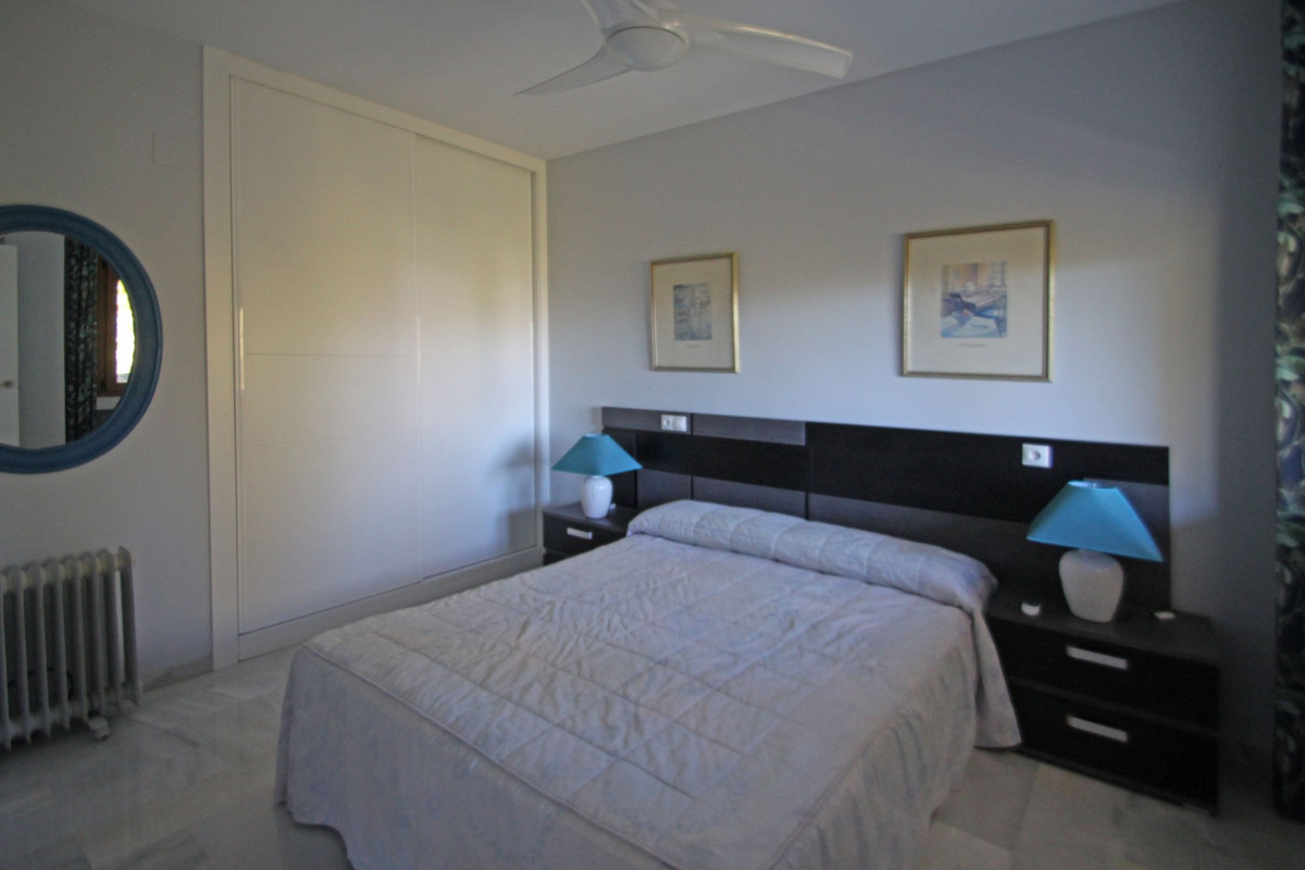 Apartment in The Golden Mile R3302578 4