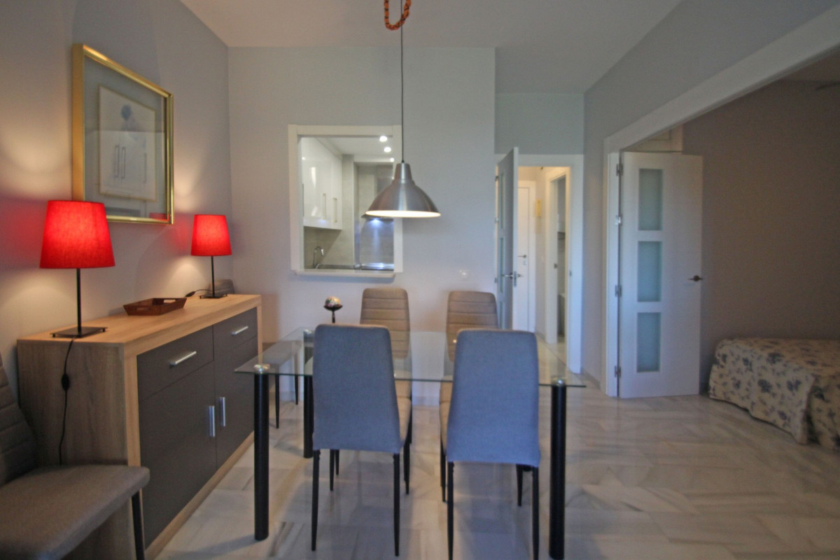 Apartment in The Golden Mile R3302578 6