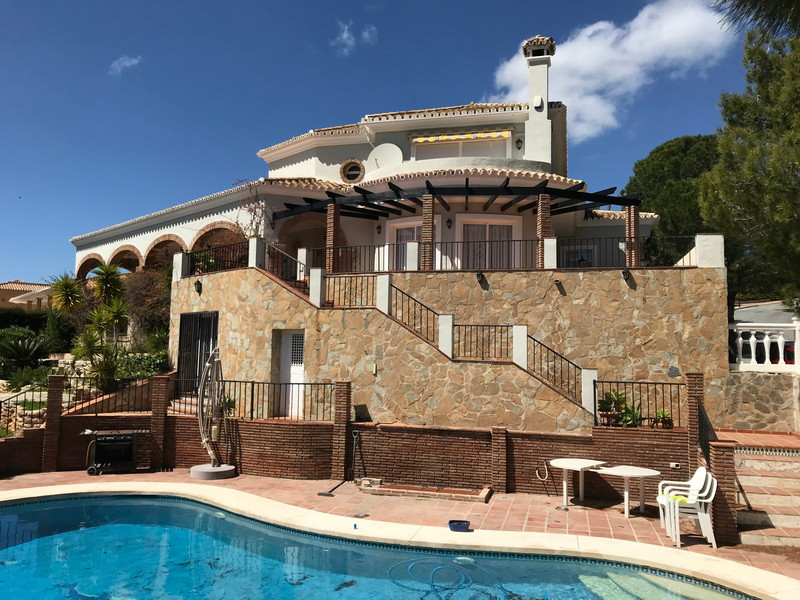 Detached Villa in Mijas R3113332